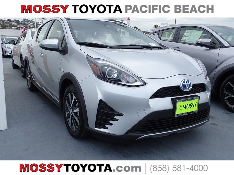 New 2018 TOYOTA PRIUS C HYBRID Three