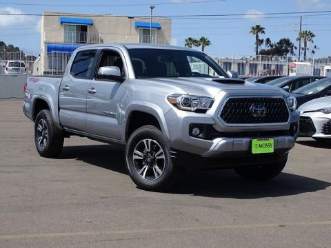 New 2018 TOYOTA Tacoma TRD Sport Double Cab 5' Bed V6 4x4 AT 4WD